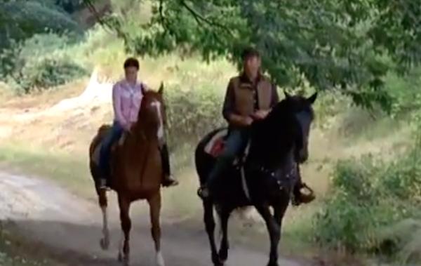 Rocco e Serena a cavallo