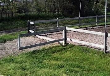 Cancello ingresso campo equitazione