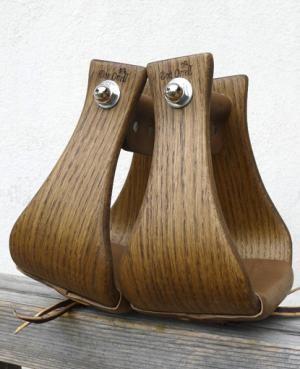 Staffe in legno con panca larga